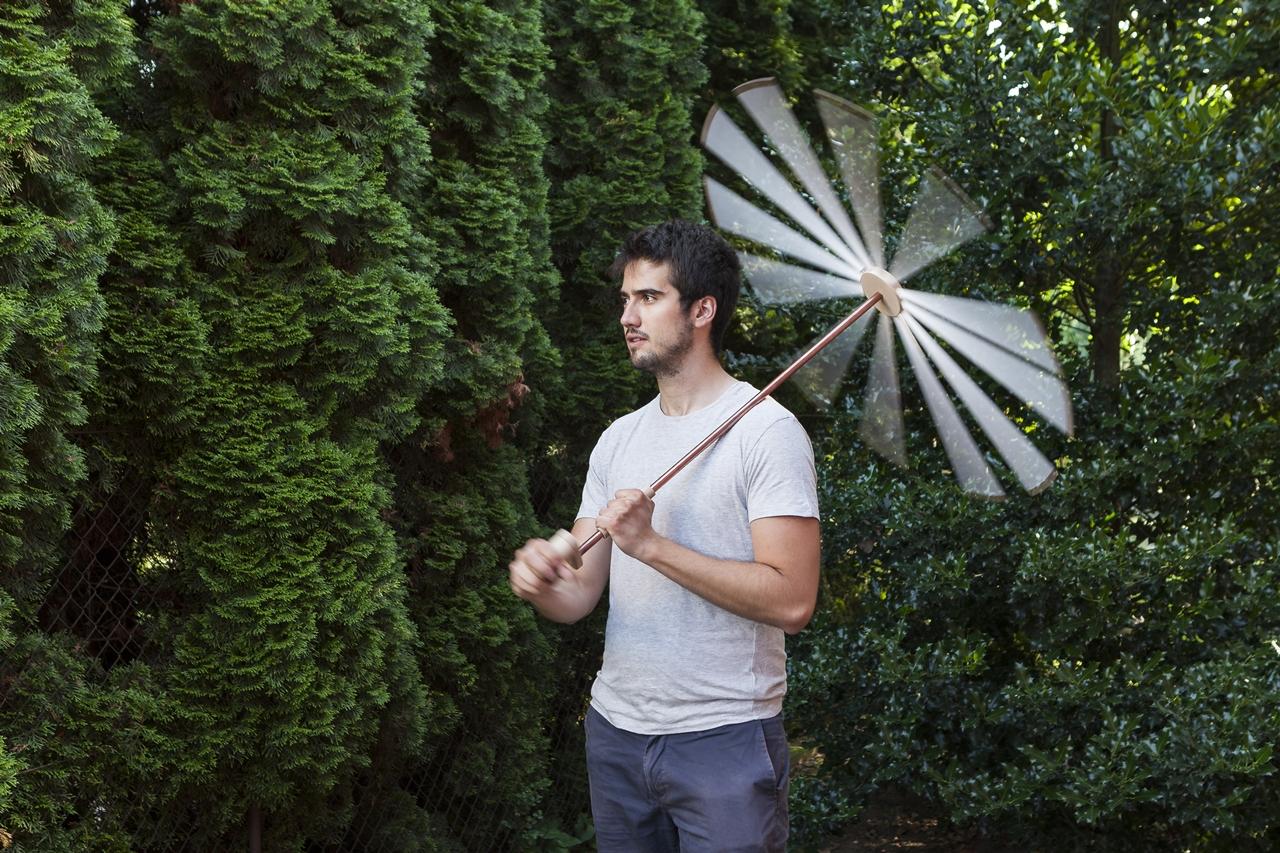 Barkóczi Máté | Fehér zaj esernyő | témavezető tanárok: Koós Pál, Kerékgyártó András | 2016 © Moholy-Nagy Művészeti Egyetem