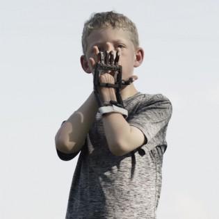 A kisujjad nyújtod és egy egész kar lesz belőle: az E-nable projekt Magyarországon
